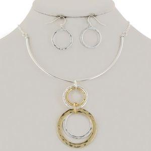 Metal Circle Pendant Necklace Set